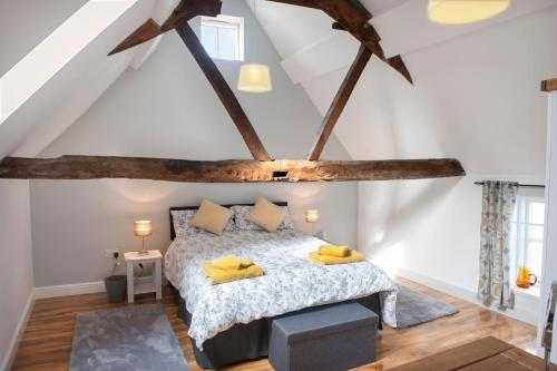 Theoc Cottage in Historic Tewkesbury