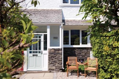 Lakestone Cottage