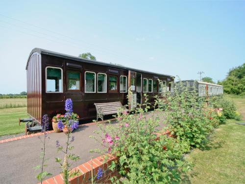 Railway Carriage One Occold Ip14 5nn Hotels Uk Com