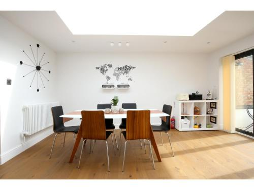 Modern, Chic 3BR Townhouse in Central Oxford
