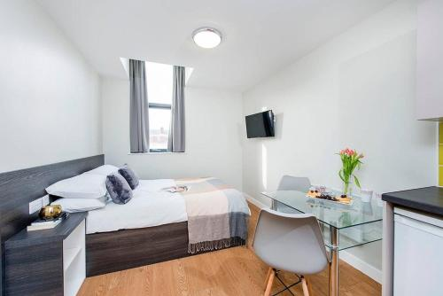 Modern Ensuite City Centre Apartment