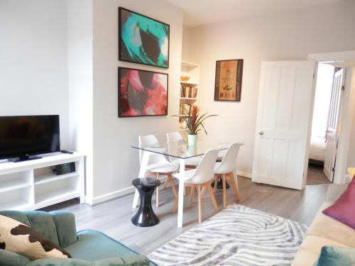 The Thornfield - 3 bedroom close to the city