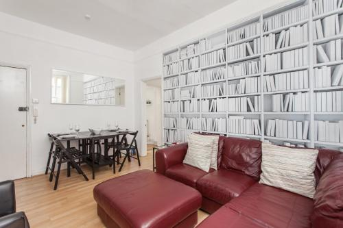 Oxford Street & Tottenham Court - Central London Apartment