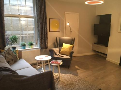 Next to Euston 2 Bedroom Apartment