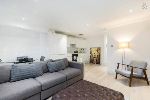 2 Bed Apartment Westminster Bridge Road
